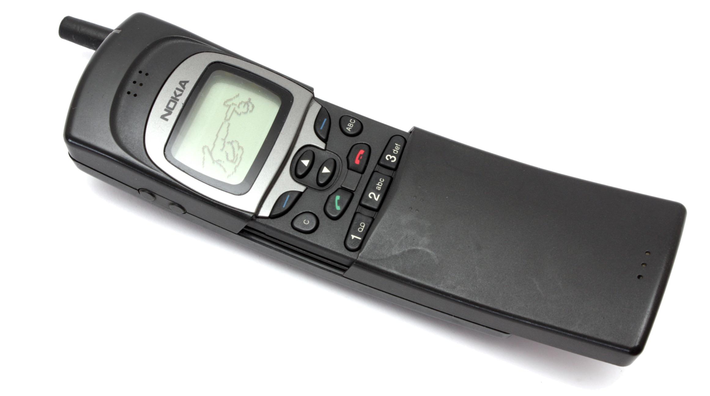nokia 8110 bo fajnie jest moje kultowe komórki